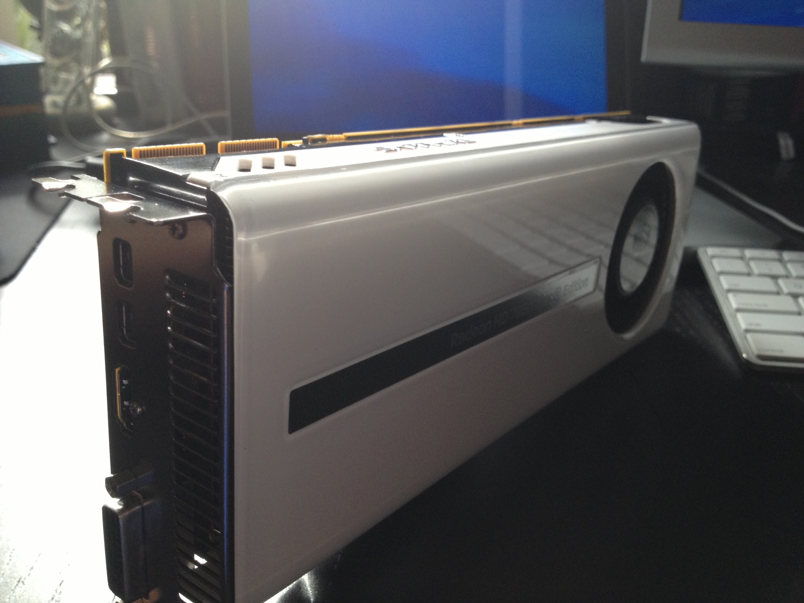 Product Review: AMD Sapphire HD 7950 Mac Edition | Architosh